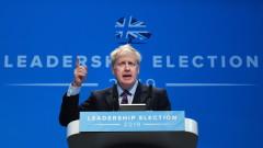 Джонсън държи на Брекзит в срок, отказва коментар за личния си живот