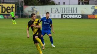 Тодор Неделев изправи косите на треньорския щаб на Ботев (Пловдив)
