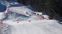 Първите скиори се спуснаха по снега на Пампорово