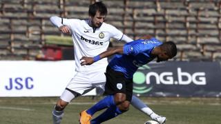 Дарко Тасевски вече тренира наравно с останалите футболисти на Славия