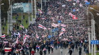 Десетки хиляди протестират в Минск за оставката на Лукашенко