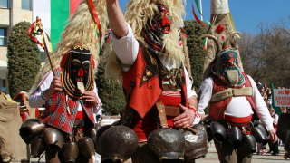 На Сурва в пернишките села само с маски, отсече Кунчев