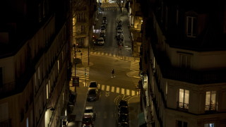 Франция обмисля да наложи частична блокада - излизане само до хранителния магазин