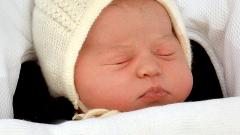 Английската принцеса Шарлот на 1 годинка (СНИМКИ)