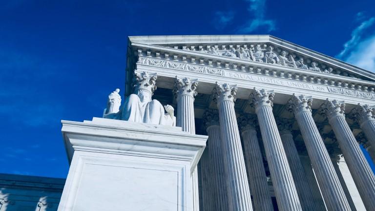 За първи път в историята Върховният съд на САЩ заседава по телефона