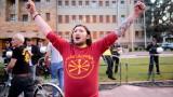 Македонското общество разделено 12 дни преди националното допитване
