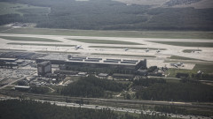 Излезе видео от аварийно кацане на руски самолет на летище Домодедово
