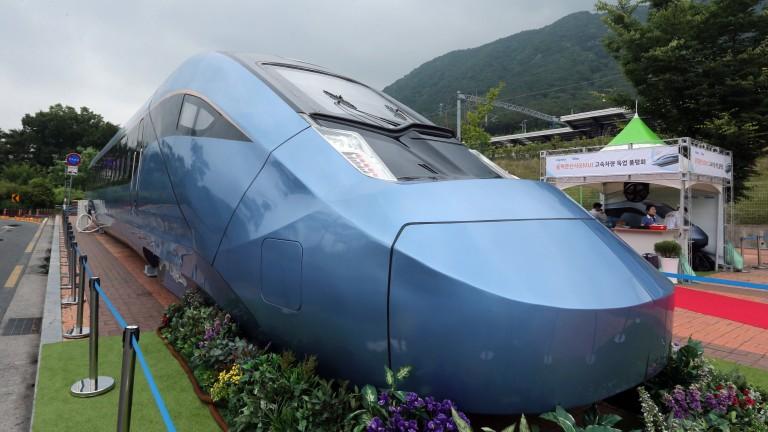 Индия пуска първия си влак-стрела