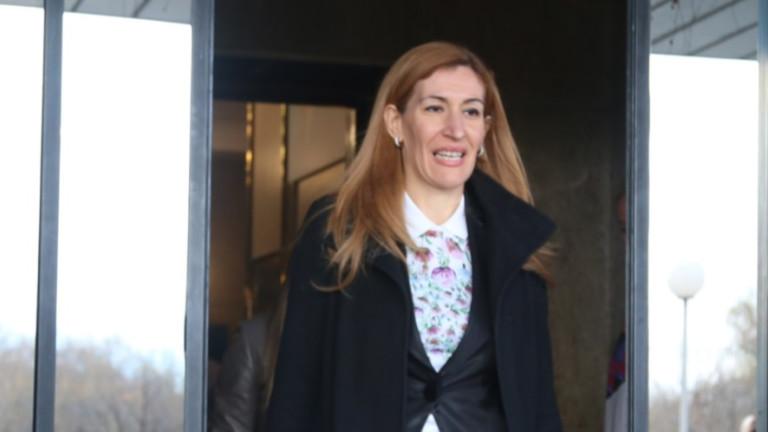 "Ангелкова сезира прокуратурата за бариерата на ""Русалка"""