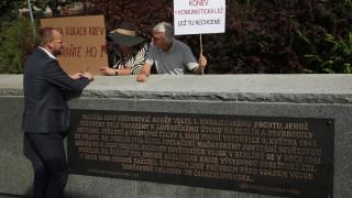 Прага премахва паметник на съветски маршал от Втората световна война