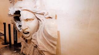 Не се закачайте с гражданите на Франция: Един урок за крале и президенти