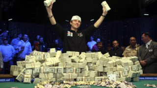 22-годишен датчанин стана най-младият покер шампион в света