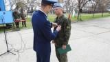 Отличиха наш офицер, впечатлил американците по време на обучение