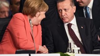 Ердоган и Меркел обсъдиха бежанската криза