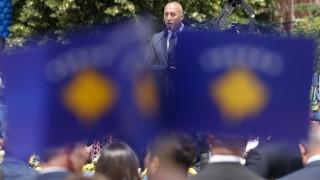 Сърбия се милитаризира, заплаха е за региона, уплашени в Косово