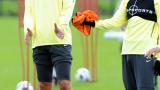Рио Фърдинанд: Юнайтед върви назад при Ван Гаал