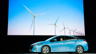 Нова Toyota Prius може да се зарежда от битовата мрежа