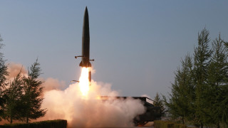 Северна Корея отново изстреля две ракети