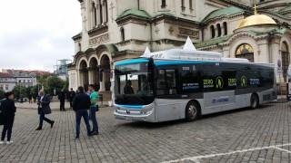 Електробусите тръгват в София най-рано след година