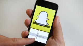 Новите функции, с които чат приложението Snapchat ще се бори с конкурента си Instagram