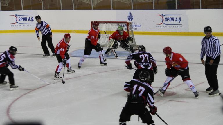Снимка: Младите хокеисти паднаха от Китай, но продължават на 1/2-финал