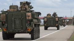 350 бронирани машини на САЩ блокираха магистралата от Прага до Бърно
