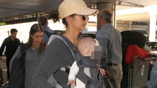 Нина Добрев с бебе на ръце! (СНИМКА)