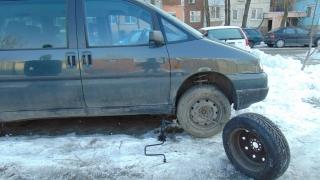 11 коли осъмнаха с нарязани гуми във Варна