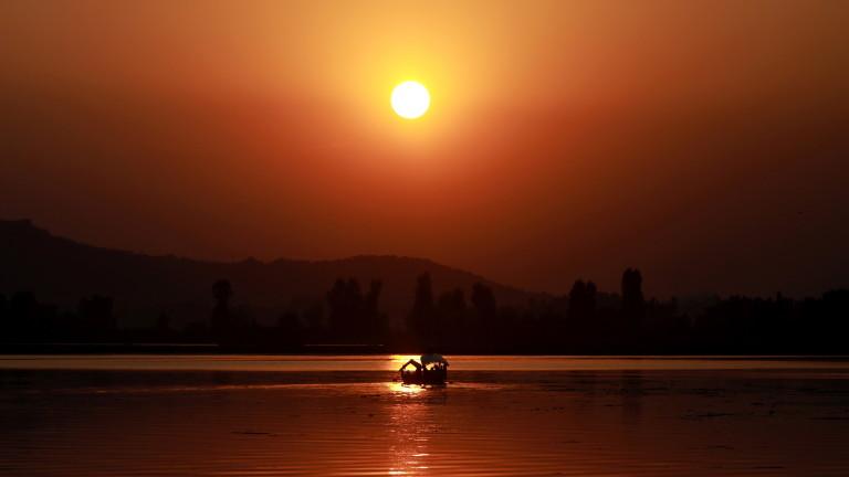 Над 50 градуса по Целзий в Индия отне живота на десетки