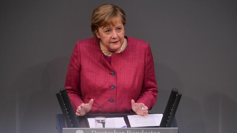 Германският канцлер Ангела Меркел призова депутатите да одобрят нови правомощия,
