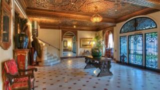 Луксозният имот за $29 милиона, който никой не иска да купи (СНИМКИ)