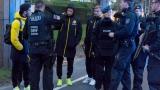 Десетки полицаи охраняват зорко звездите на Борусия (Дортмунд) (СНИМКИ)