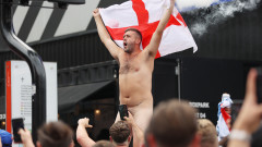 """Еуфорията е пълна: Английските фенове вече са пред входовете на """"Уембли"""""""