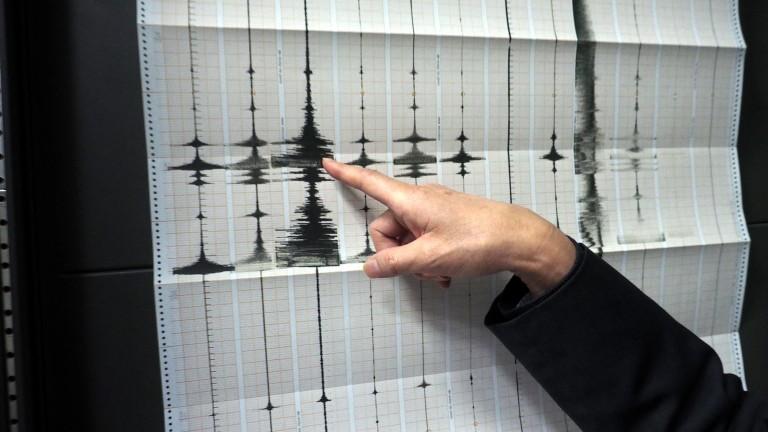 Земетресение от 5,9 по Рихтер удари Турция