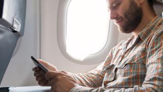 Защо изключваме смартфона си по време на полет?