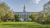 Чуждестранните студенти може да напуснат САЩ, ако университетите преминат онлайн
