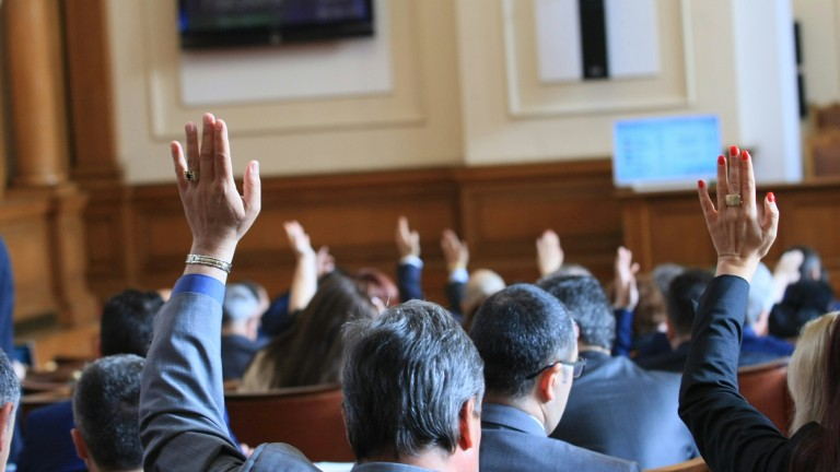 """Парламентът против пакета """"Макрон"""" за транспортния бранш"""