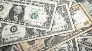 Защо никой не може да детронира долара?