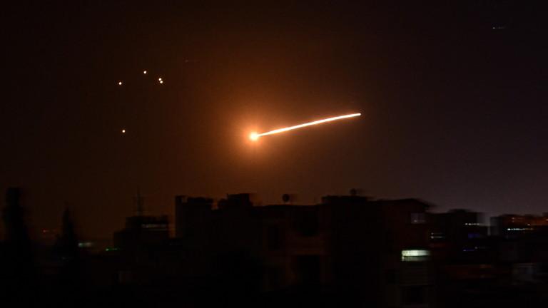 Израелските хеликоптери атакували позициите на сирийските правителствени сили. Това съобщи