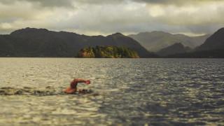 Мъж преплува 100 км за 48 часа