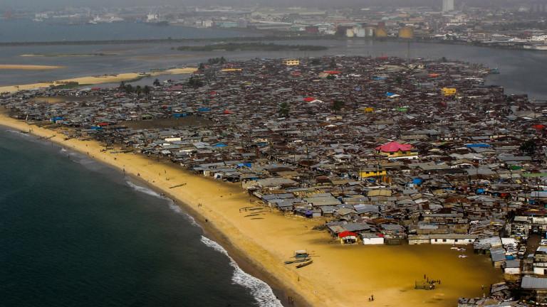 Либерия забрани на 15 официални лица, включително на доскорошния гуверньор