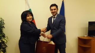 Газовите ни проекти са в полза и на Македония, убеждава Петкова
