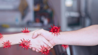 Колко часа живее коронавирусът върху кожата ни