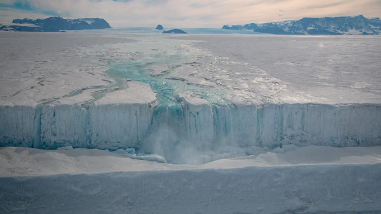 Рекордното коледно топене на Антарктида