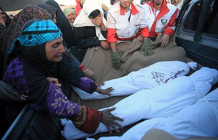 Траур в Иран заради земетресенията