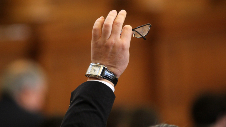 Депутатите в комисия разсрочиха дълговете на вероизповеданията за 10 години