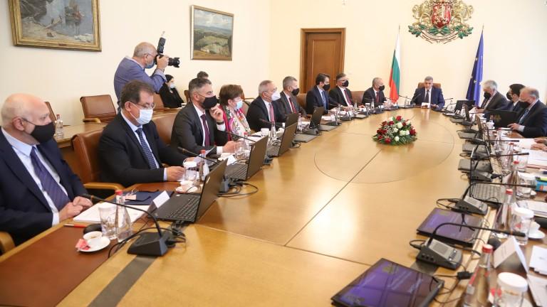 Румен Радев прави заявка за влизане в изпълнителната власт, според Стойчо Стойчев