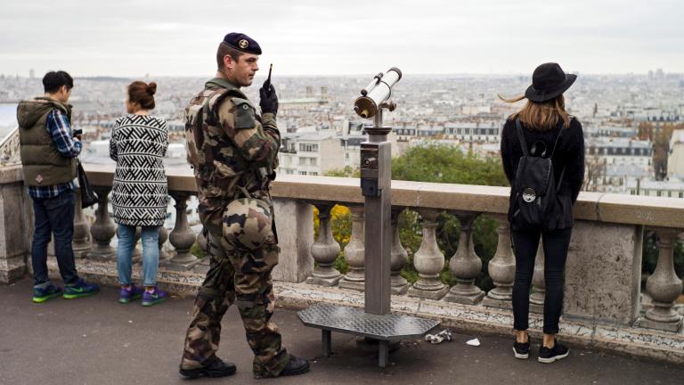Терористът от Париж Салах Абдесалам се е свързал с адвокат