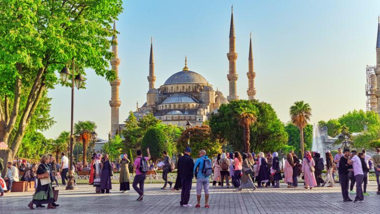 50 милиона туристи и $50 милиарда приходи: целта на Турция до 2023 г.