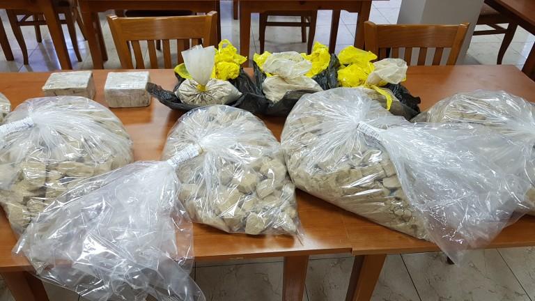 Полицията задържа над 46 кг хероин и 13 кг амфетамини